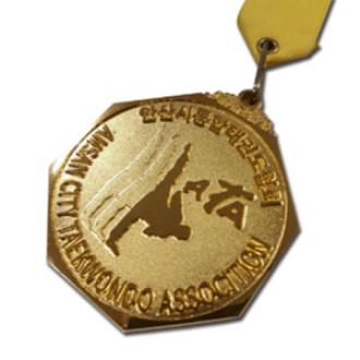 팔각 메달